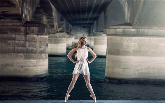 Обои Красивая девушка, балерина, грация, мост