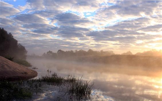 Fond d'écran Matin, rivière, brume, nuages, herbe