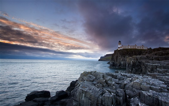 Fond d'écran Neist Point Lighthouse, Isle of Skye, phare, mer, les rochers, au crépuscule
