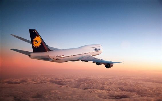 Wallpaper Boeing 747 aircraft in the dusk