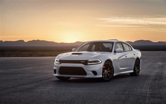 Обои Dodge Charger SRT белый автомобиль, закат