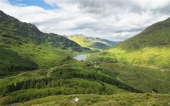 壁紙 スコットランド、山、森、道、湖、緑、雲