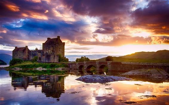 Fond d'écran Ecosse, château, réflexion de l'eau, ciel, nuages, rivière, pont