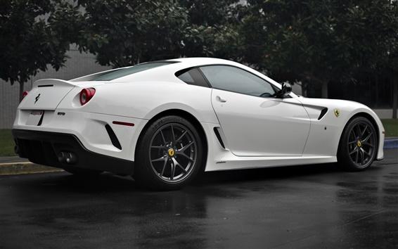 Обои Ferrari 599 GTO белый автомобиль вид сзади