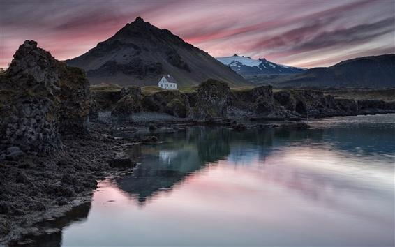 Обои Исландия, деревня, дом, горы, озеро, вечер, закат