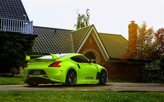 Обои Nissan 370Z зеленый автомобиль, дом
