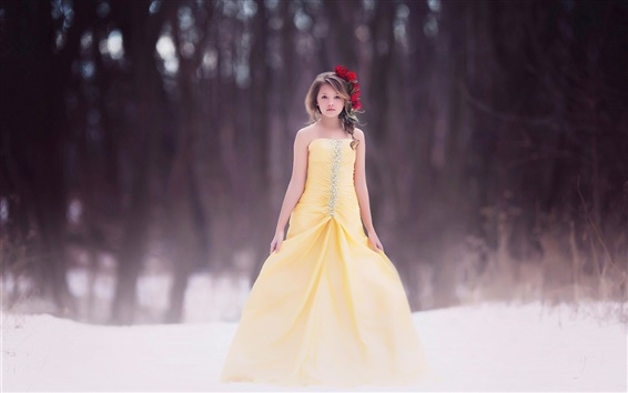 Fond d'écran Enfants, fille, robe jaune, coiffure, fleurs