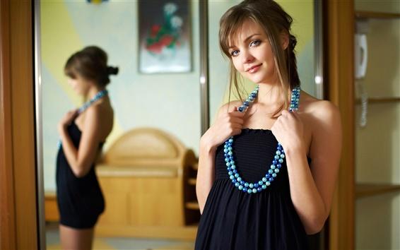 壁紙 美しい笑顔の女の子、ミラー、ジュエリー