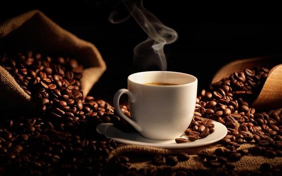 Fond d'écran Les grains de café, tasse de café chaud, sac