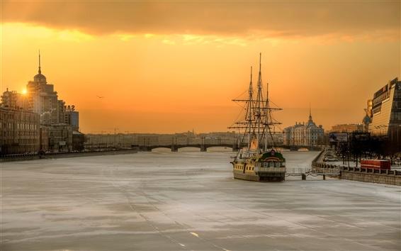 Fondos de pantalla San Petersburgo, Rusia, mañana, ciudad, río, barco, casa