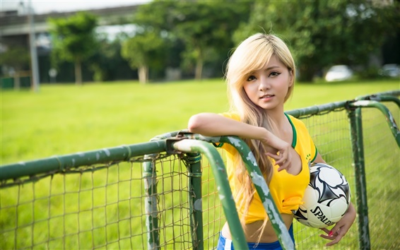 Wallpaper Girl with football