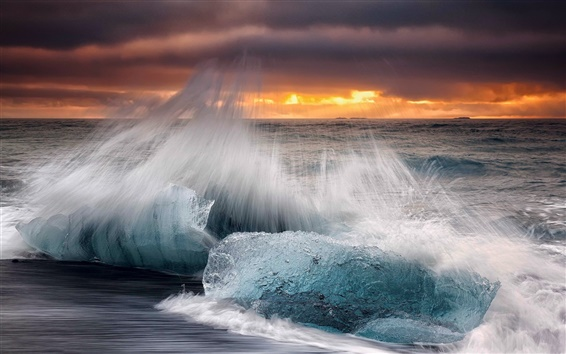 Wallpaper Iceland, morning, beach, ice, waves, splashing, sea