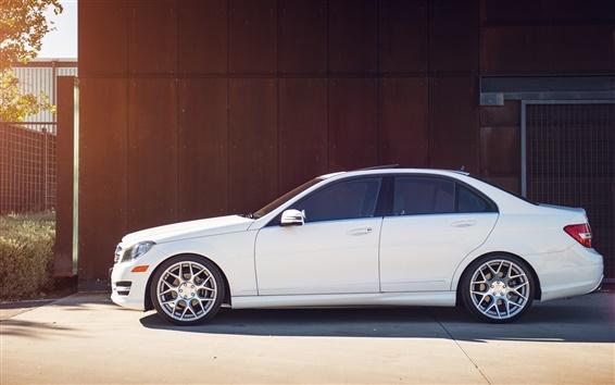 Обои Mercedes-Benz C250 белый автомобиль сбоку