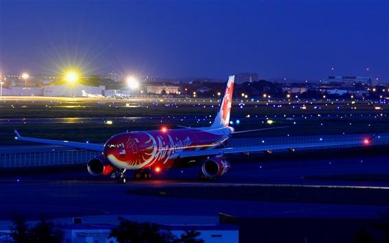 Обои Airbus A330 пассажирский самолет, аэропорт, ночь, город