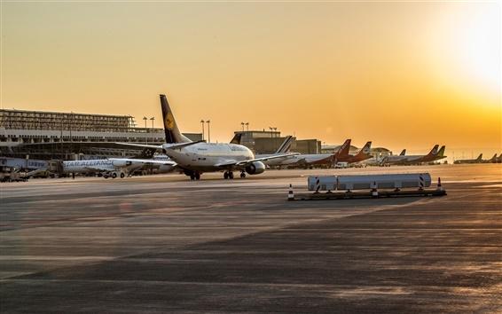 Papéis de Parede Aeroporto, avião de passageiros, por do sol, crepúsculo