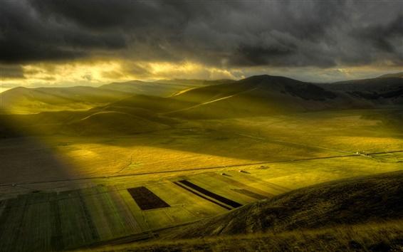 Fond d'écran Nature matin, les champs, les rayons de soleil plaine