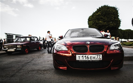 Обои BMW E60 красный автомобиль вид спереди