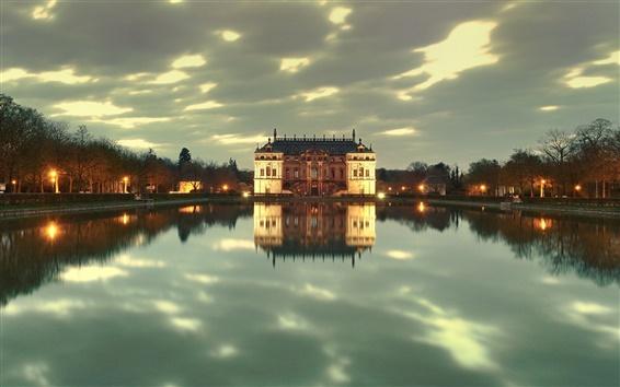Fondos de pantalla Dresden Park, Alemania, anochecer, las luces, castillo, el lago, la reflexión del agua