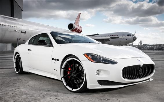 Wallpaper Maserati white supercar