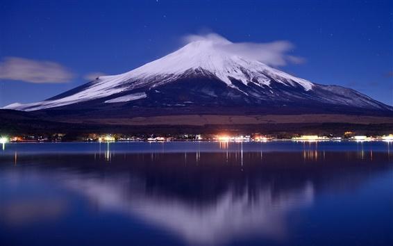 壁纸 日本,富士山,湖,晚上,灯,云