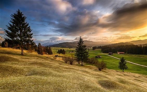 Papéis de Parede Bavaria, montanhas, montes, árvores, campos, casas, nascer do sol