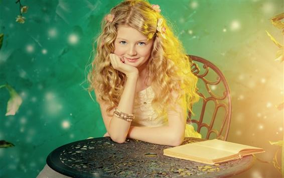 Обои Симпатичные девушки, светлые волосы, улыбка, стол, книга, свет
