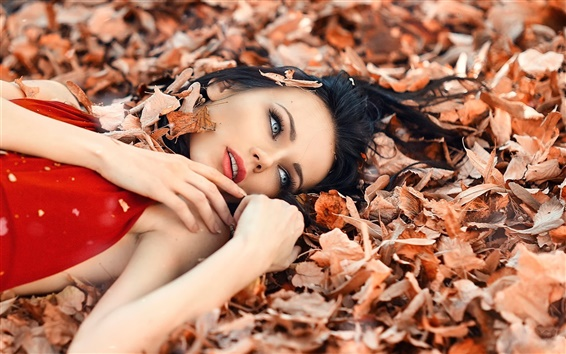 Wallpaper Perfect autumn, girl, makeup, leaves