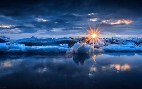 Fond d'écran Hiver, la neige, la glace, les rayons du soleil, coucher de soleil, la mer