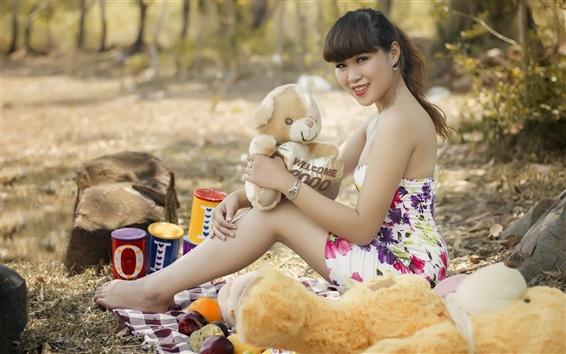Обои Азиатская девушка, медведь игрушки, лето