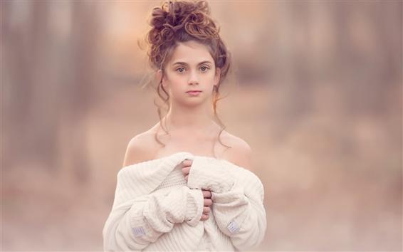Fond d'écran La petite fille mignonne, coiffure, robe blanche