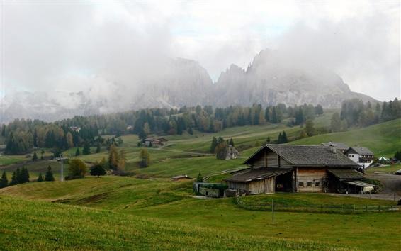 壁紙 イタリア、フィールド、牧草地、山、アルプス、住宅、雲