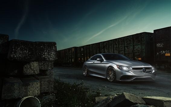 Fond d'écran Mercedes-Benz S63 AMG voiture coupé d'argent
