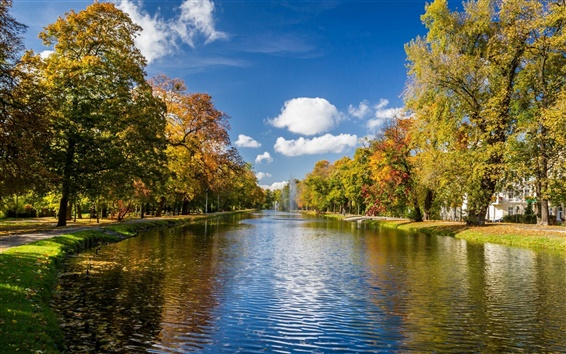 Wallpaper Park scenery, autumn trees, river, fountains, clouds