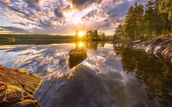 壁紙 リンゲリケ、ノルウェー、美しい夕日、湖、水の反射、ボート、木