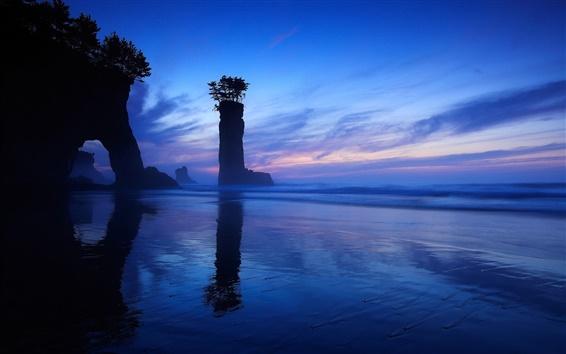 Обои Море, ночь, скала, арки, колонки
