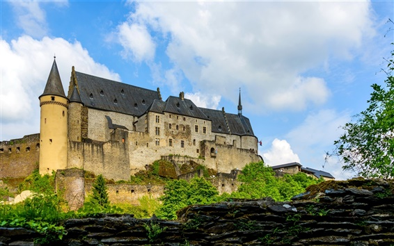 Wallpaper Luxembourg, Vianden Castle, clouds