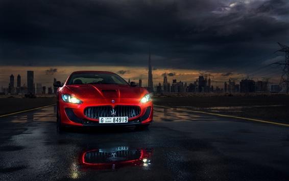 Обои Maserati GranTurismo красный суперкар вид спереди, фары, Дубай