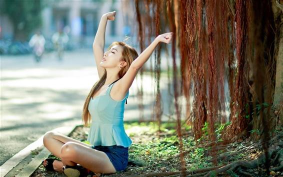Fond d'écran fille asiatique, assis sous l'arbre, repos