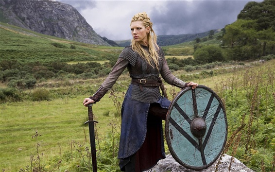 Papéis de Parede Vikings, Katheryn Winnick, espada