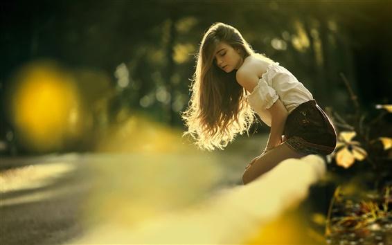 Fond d'écran Jeune fille au soleil