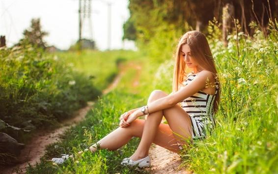 Обои Девочка летом, отдых, природа, трава