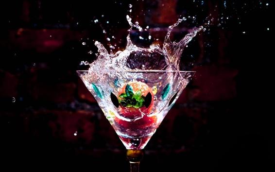 壁紙 ガラスカップ、ドリンク、水滴、しぶき、イチゴ
