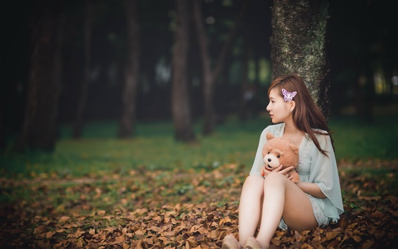 Wallpaper Long hair asian girl, teddy bear, leaves, autumn
