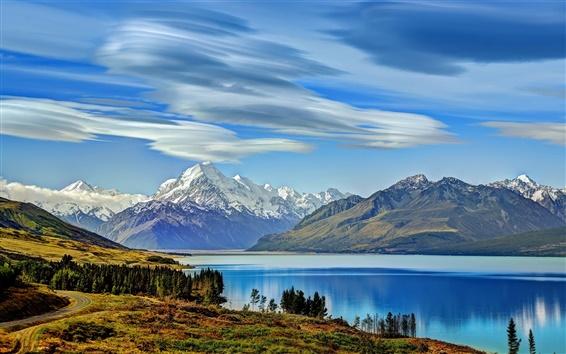 Fond d'écran Nouvelle-Zélande, le lac Pukaki, montagnes, arbres, nuages