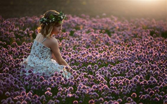 Fond d'écran Fille dans les fleurs, le soleil