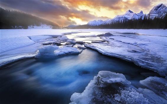 Fond d'écran Hiver, neige, glace, lac, montagnes, forêt, coucher de soleil