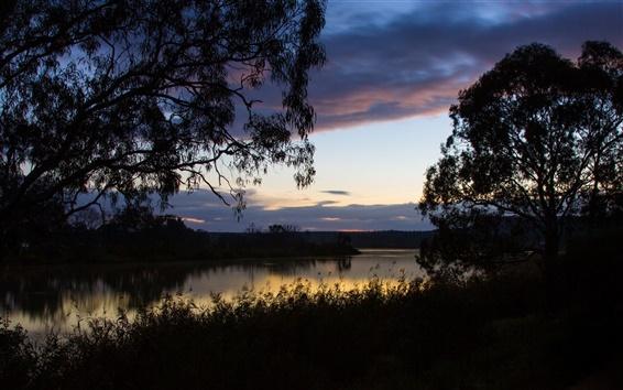 Papéis de Parede Austrália, grama, árvores, céu, nuvens, rio, alvorecer, reflexão da água
