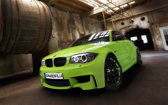 Fond d'écran Vert BMW vue avant de la voiture, l'usine