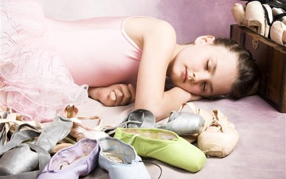 Fond d'écran Petite fille de ballet, dormir beauté, chaussures, enfants