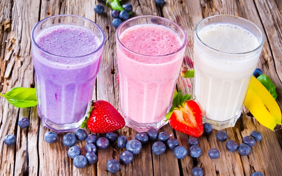 Hintergrundbilder Sommergetränke , Milchshake , bunt, Heidelbeeren, Erdbeeren, Bananen